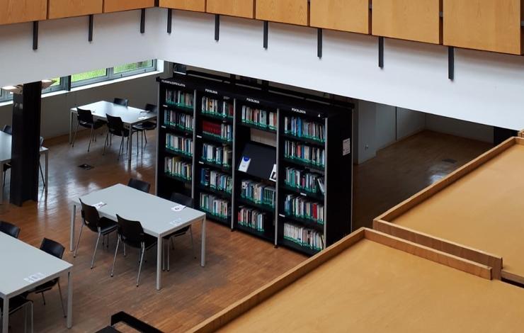 Biblioteca encerrada